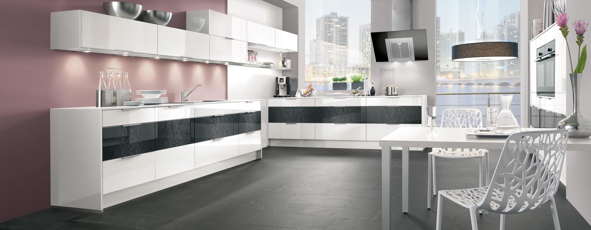Zweiteilige Küchenplanung weiß Hochglanz